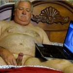 Just sitting around, watching some good porn on the internet!!