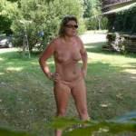 i love to walk nude outdoor