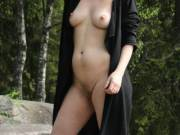 a walk in the woods… i wish i was by the leash.