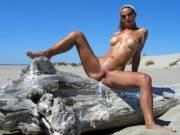 Being nude outdoor makes me wet...