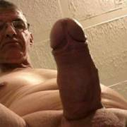 love to shave and self anal never had a dick in my ass