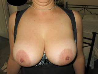 hubby just had to take a pic and said zoig members will enjoy my boobs hope its true