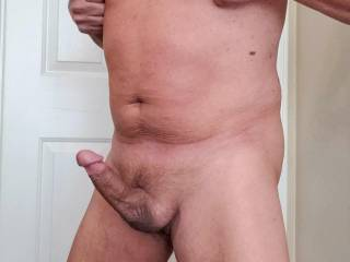 pinching my nipples gets my dick so hard!!