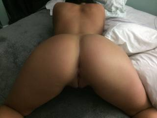That ass looks so tasty, I will always want a bubble butt now. Can I eat both holes and stuff them with something nice, long, thick hard and warm, they look soooo tasty!