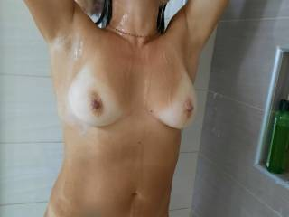 Felt sexy during the holidays and decided to take some shower photos.