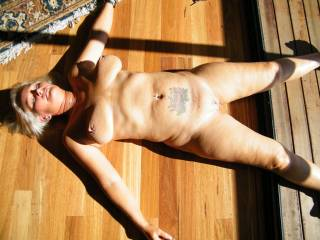 you are one hot lady love to snuggle up in the sun with you after a hot and heavy afternoon of sex