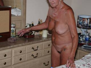 I just love a mature hairy pussy