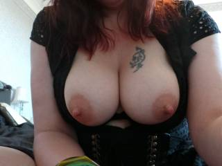 Mrs P exposes her beautiful tits for people to admire, Mr P certainly appreciates them, do you?