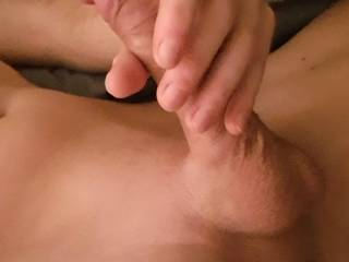 Early morning masturbating, who likes to help a hand (or mouth) ? 😋