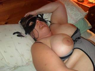 MMM Nice and curvey and very sexy love to see more. Dave x