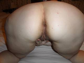 I would love to lick your ass and make your pussy squirt
