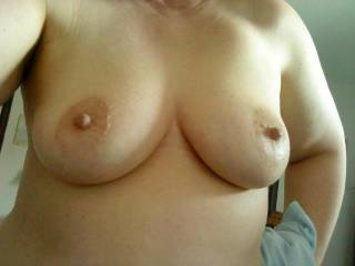Beautiful tits...Juicy nipples!!!