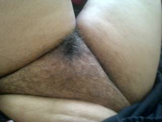 nice hairy pussy i wanna see your pussy open :P