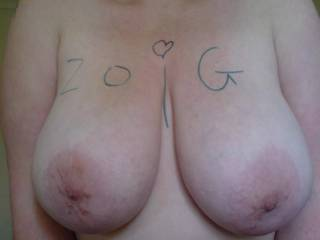OMG ... What an awesome pair of tits ... Please keep the pics cumming !