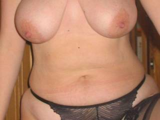 hell yeah you have a great natural womans body awesome tits great hips a cute sexy tummy please contact me to share