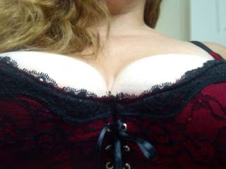 Do you like sexy lingerie? I love it! Wearing my favorite lacy red and black bra for a pic of my big, natural 40DDD tits.