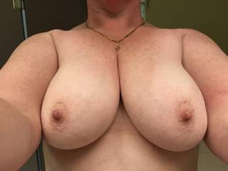 Wife sent this from work she has amazing tits