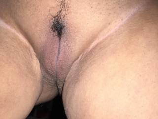 Smooth pussy and no panties, nice combo, don't you think??