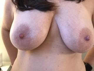 Love her sexy big titties