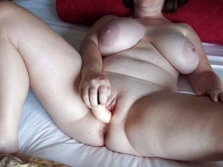 love playing with my pussy