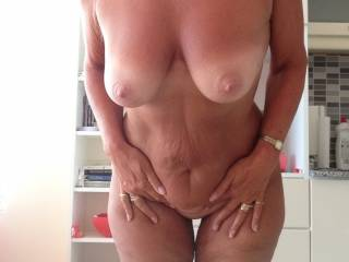 Maggy sends new photos to tease me and get me back