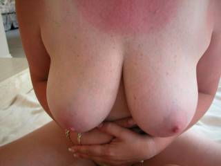 Great hot sexy tits to go with the rest of the perfict women. Love to lick those tit and hot wonderful pussy of yours