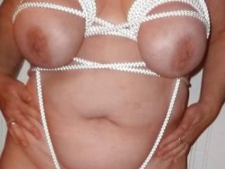 A Yummy Rope Bndgae halter... Anyone wnat to help untie me?
