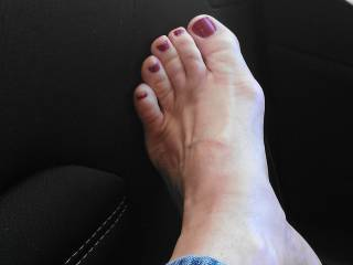 beautiful and sexy as fuck no matter how they're painted....will always want to kiss, lick, sniff and taste those sexy toes....