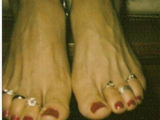 sexy toe rings  and feet