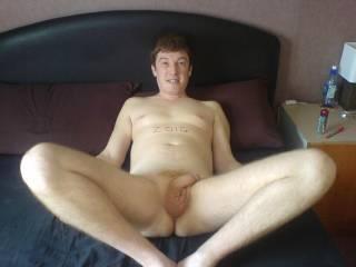 i open my legs 4 you mmmm