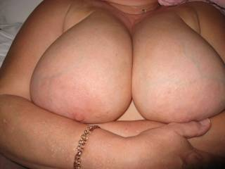 wife\'s mature tits for you to cum on