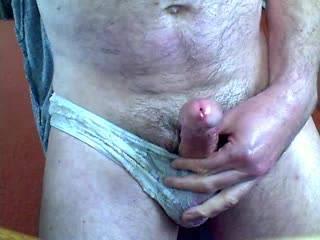 i'd luv 2 wank u off as im suckin ur balls, then deepthroat that yummy cock as it explodes mmmmmmmmmmmmmm