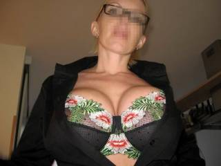 I would buy you a bra every day! Love seeing big tits with a sexy push up bra!