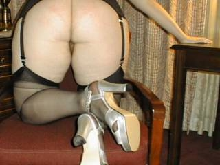 Wife Melissa loves to dress up and show her curves!