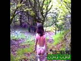 Wish I could cum across someone like you in the woods.Being naked outdoors is a great turn-on.