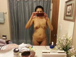 Sexy body, love her hairy pussy.