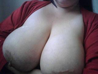 u have some nice tits!  i'd like 2 turn them into cinabons!