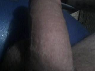 im always horny this is my dick kinda soft before it gets bigger and throbbing hard