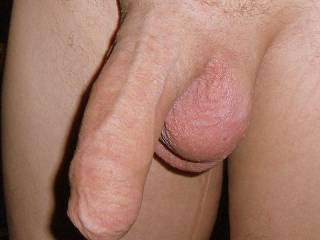Beautiful uncut cock. Very nice.