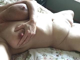 Oh how I can never get enough of these fully naked body shots of you. They make me want to stroke my cock till I blow my load all over you.