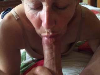 Very sexy lady and omg what a great cock-sucker!
