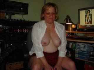hi patti, I've got a hard cock that would love to be between those tits. I live in Champaign. If interested, look me up