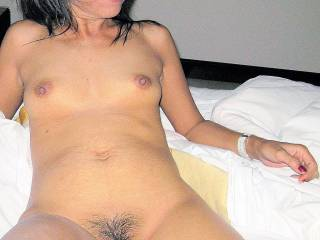 wow, what a hot babe, love to screw her