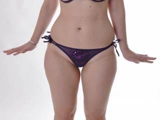 Gorgeus. Nice body. Love your hips.
