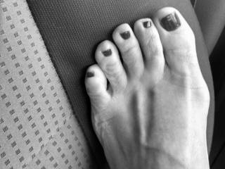 Beautiful shot...love a good b&w close up, especially of truly sexy feet n toes :) Gorgeous!
