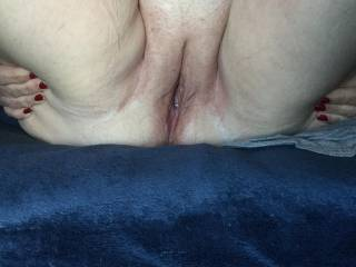 Wife\'s gorgeous shaved pussy
