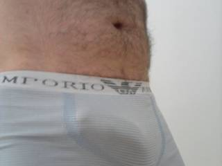 Mmmmm such a sexy bulge........can I feel your stirring too....