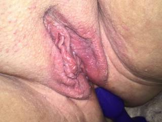 Doves well fucked pussy looks so tasty and inviting. Needs filling. Any takers?