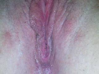 would love to suck and lick those hot pussy lips...yummy