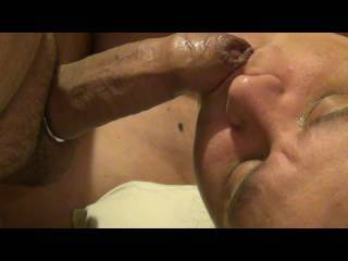 The Wife sucking me to a great facial. Watch as I pull out and catch her off guard... ;)